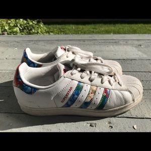 adidas Shoes - Adidas Floral Hawaiian shoes US 6.5